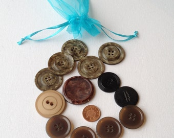 13 Assorted Large Buttons - Pearlescent Effect Retro Button Selection