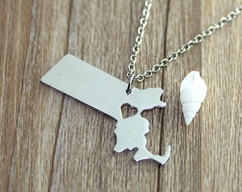 I heart  Massachusetts Necklace - Massachusetts Map Pendant - State Necklace - State Charm - Map necklace - Map Jewelry