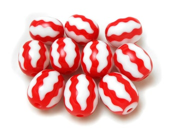 10 Red Acrylic Beads 18MM acrylic ovals, chevron beads, resin beads, gumball beads (H779)
