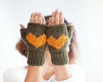 Fingerless Gloves -  Mittens - Valentines Day by Afra