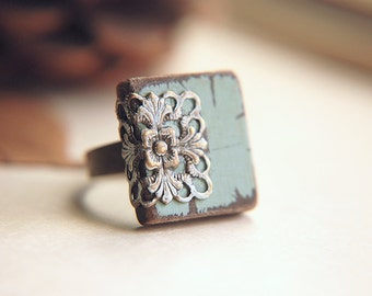 Cottage Chic Ring Adjustable Band Filigree  - Chocolate Mint.
