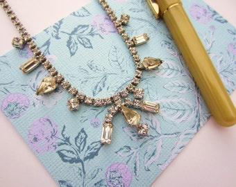 Vintage rhinestone necklace. Round, emerald and teardrop shaped stones. Vintage bride, vintage wedding. Crystal necklace.