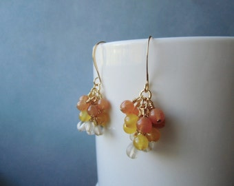 Jade, quartz and adventurine, 22 ct gold plated, cluster earrings