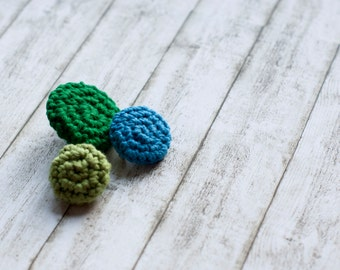 Crochet brooches pebble brooches round pin brooches set of three in blue, green and avocado green