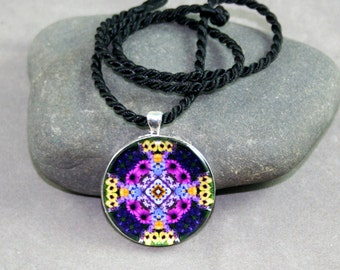 Daisy Mandala Pendant Necklace Boho Chic Mandala New Age Sacred Geometry Hippie Kaleidoscope Mod Gypsy Unique Gift For Her Mystical Musing