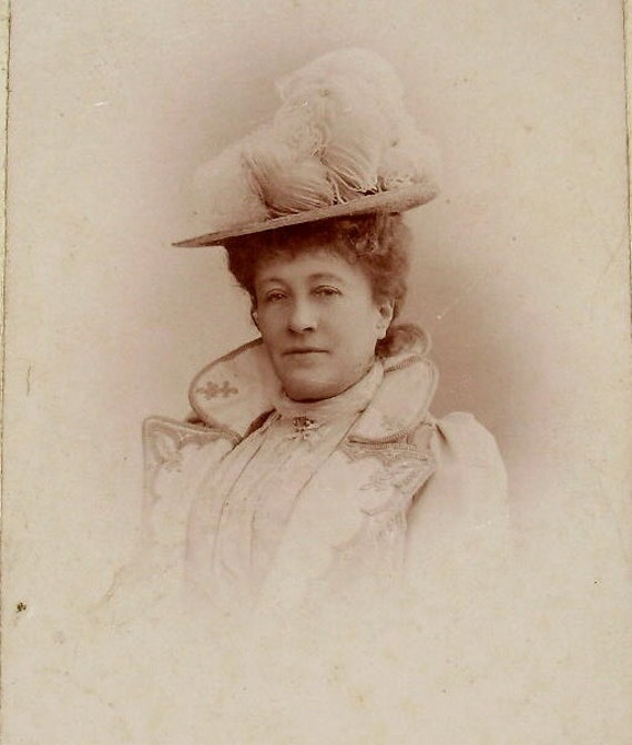 French Antique Photograph / Carte de Visite (CDV) - Lady with Feather Hat (W. Damry of Dinard, France)