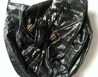 Wild 90s Leather Art Purse