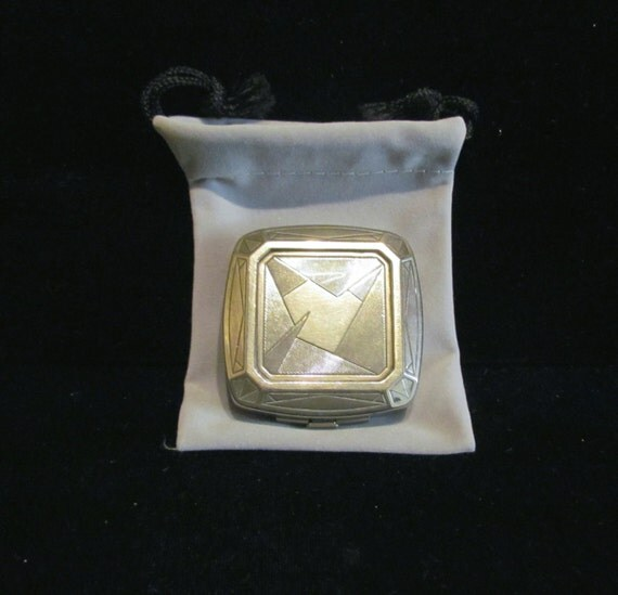 1929 Djer Kiss Compact Art Nouveau Silver Plated Powder Compact Rouge Compact Mirror Compact RARE & LOVELY