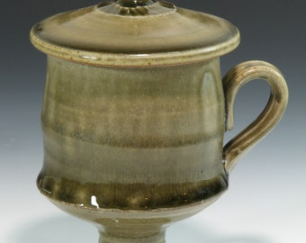 Green Handmade Stoneware Pottery Lidded Coffee Cup Wine Goblet (YCP413)