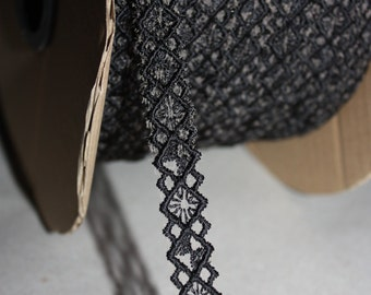 5 Yards = 4.57 Meters of Black beautiful embroidery Lace trim to altered your couture designs - bra straps - bra making