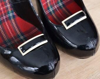 Vintage Black and Cream Plastic Shoe Clips