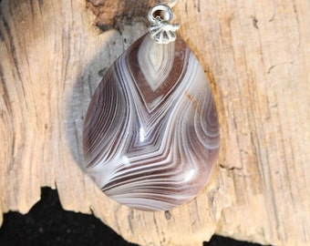 Tear drop shaped Madagascar Agate Pendant - Item 939