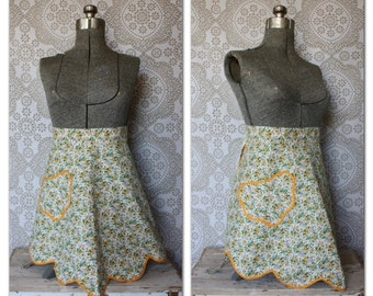Vintage 1950's Green and Yellow Floral Print Half Apron with Scalloped Edge