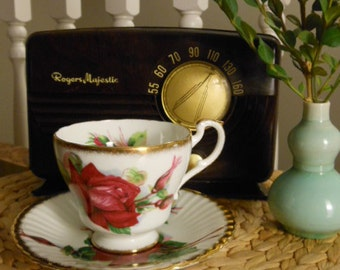 Paragon Teacup and Saucer in Bone China Vintage Made in England Red Roses and Gold