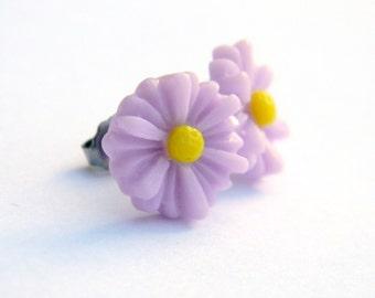 Pastel Purple Daisy Earrings  13mm Matte Violet Flower  Titanium Post Earring Pair  Hypoallergenic Minimalist Jewelry