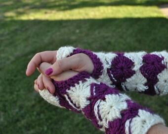 PATTERN: Almost Bavarian Fingerless Gloves