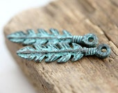 Feather charm, Metal charm, Verdigris patina on copper, greek beads, Lead Free, Native, Indian, Tribal, casting charm - 4Pc - F192