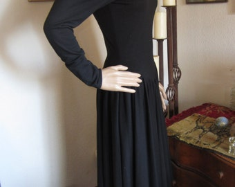 Black Jersey Knit Dress Dropped-Waist Mid-Calf Full Skirt Long Sleeve size 6 S or M Womens Vintage Clothing