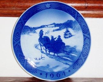 ROYAL COPENHAGEN plaque porcelaine collectionneurs Danemark blanc bleu 1964 extraction de Noël sapin de Noël 7» rond traîneau Excellent État