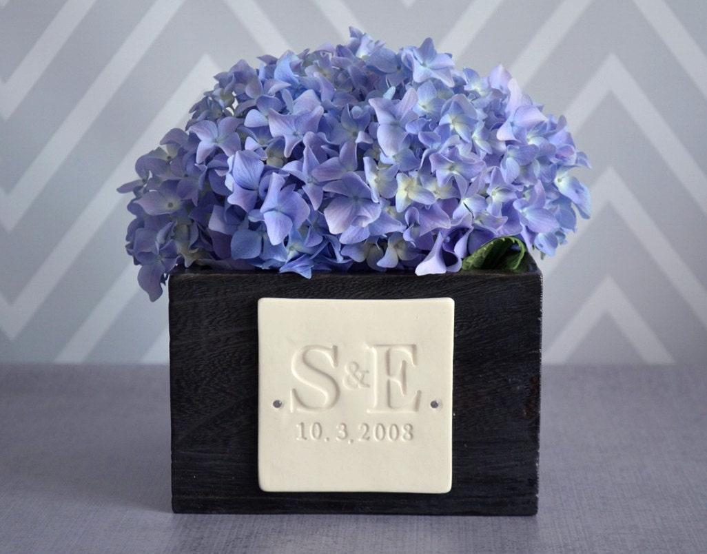 PERSONALIZED Wedding Gift Short Kiri Wood Vase with Initals