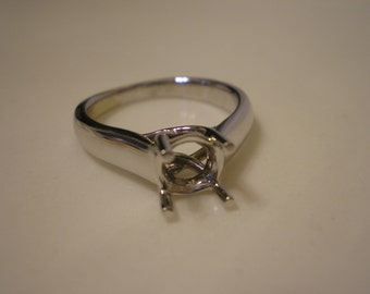 New 14 Kt White Gold Classic Tulip Solitaire Setting Mount Size 6.5