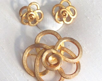 Celtic Rose ~ Floral Knot ~ Vintage Avon Brooch Set ~ Pin and Earrings Set