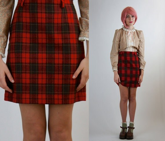 Plaid Skirts For Women. Plaid skirts for women offer a fun way to brighten up the wardrobe with a timeless hereaupy06.gqble in many lengths, these skirts pair easily with leggings or tights, enabling wearers to experiment with an on-point layered outfit.