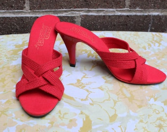Dead Stock Firey Red Soft Fabric Sandals Plastic Heel Woven Sz 5