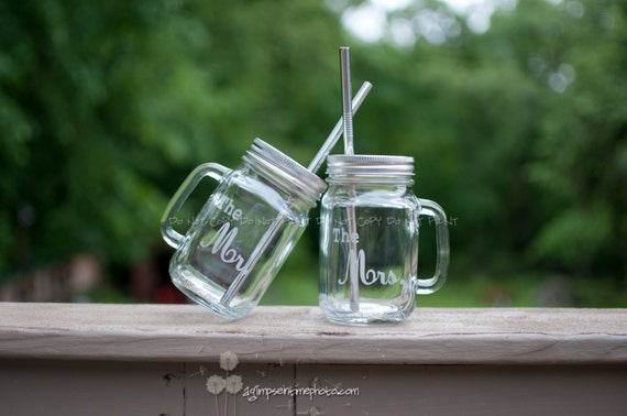 Rustic The Mr. and The Mrs. Etched Handled Mason Jar To Go Cups w/ Spill Proof Lids and Metal Straws16oz Eco Friendly
