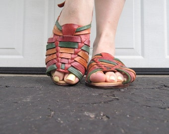 1970s multicolored woven leather sandals, Sz 7