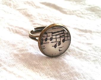Sheet Music Ring - Sheet Music Jewelry - Musical Notes Ring - Musical Notes Jewelry (Vintage Inspired OFF WHITE - 16mm)