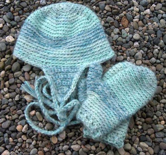 Bulky Crochet Earflap Hat Pattern Free : Pattern WWD112 Super Bulky Crocheted Earflap Hat and