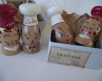 VINTAGE CHEF Salt and Pepper SHAKERS, Wooden Shakers, Hand Painted Wood Salt and Pepper Shakers, Novelty Salt and Pepper, Shafford Imports