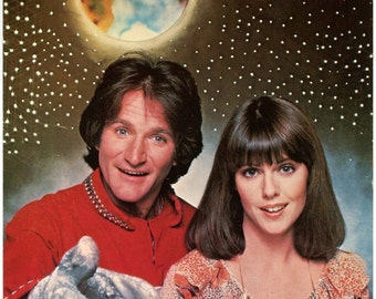 Mork and Mindy, Publicity Photo, TV Memorabilia, Robin Williams, Pam Dawber, Mork from Ork, Mindy McConnell, space comedy, comedy show, 1978