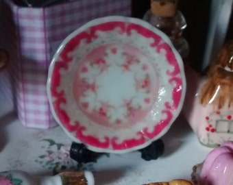 Dolls House miniature Pink Classical Pattern Ceramic Plate