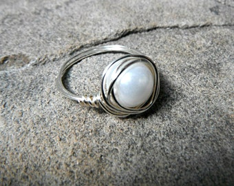 White Pearl Ring, Wire Wrapped Ring, White Ring, Pearl Wire Wrapped Ring, Wire Wrapped Jewelry Handmade, White Glass Pearl Ring