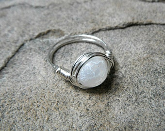 Frosted White Agate Ring, Wire Wrapped Ring, White Ring, Dream Fire Agate Ring, Wire Wrapped Jewelry Handmade, Gemstone Ring,