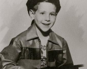 Retro 1950's Mama's Little Frontiersman Davy Crockett Studio Photo - Free Shipping