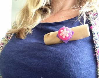 Quirky driftwood brooch with vintage button and sparkly embellishment