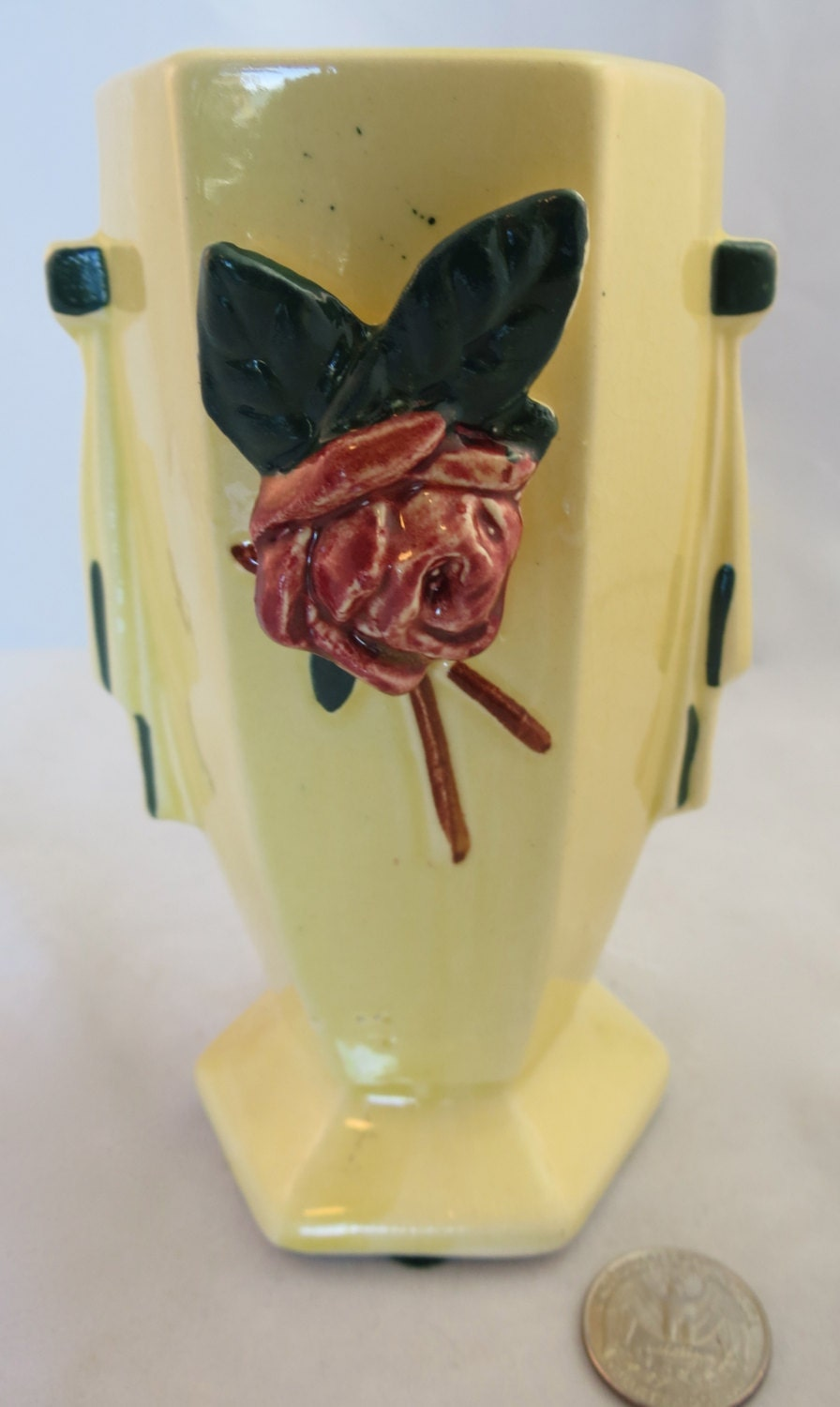 Vintage mccoy yellow vase with applied bud c 1948 zoom reviewsmspy