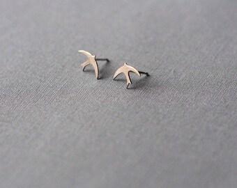 Silver Stud Earrings of Pair of Swallows