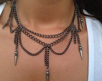 Chain necklace with spikes, scalloped chain, choker