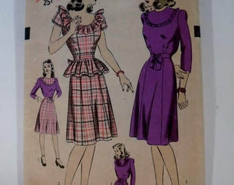 1940's Dress Pattern - Vintage Pattern Hollywood 1483 Dress with or without Peplum