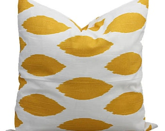 Yellow and White Chipper Print Decorative Pillow Cover, ONE - You Pick Size, Free U.S. Shipping