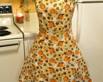 Vintage Style Full Apron for Fall or Thanksgiving with Pumpkins