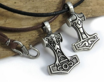 Thor's Hammer Necklace - Reversible Mjolnir pendant - Viking and Norse Jewelry - Pagan Jewelry