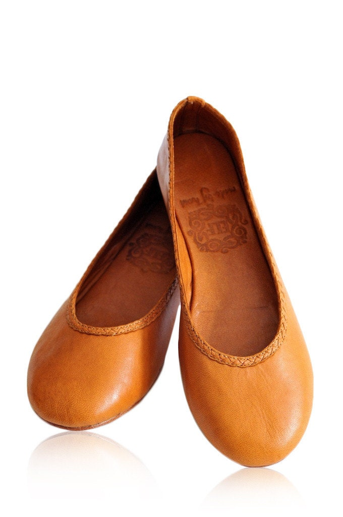 Leather Women's Flats: cybergamesl.ga - Your Online Women's Shoes Store! Get 5% in rewards with Club O! Me Too Womens Lilyana Leather Ballet Flat Shoes, Peony Glazed Goat. Quick View Fic Peerage Abby Women's Extra Wide Width Leather Flats.