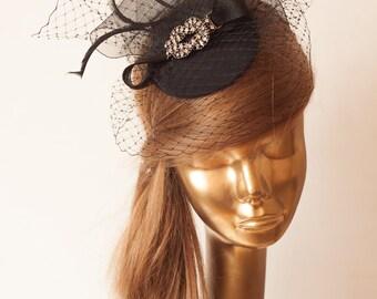 Bridal Black FASCINATOR with BIRDCAGE VEIL and Rhinestone Brooch. Wedding Mini Hat with Veil