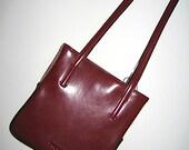 90s Vintage Shoulder Bag / Versailles Babi Red Leather Snap Closure Shoulder Bag by GUESS / Vintage Handbags / Fashion Accessories