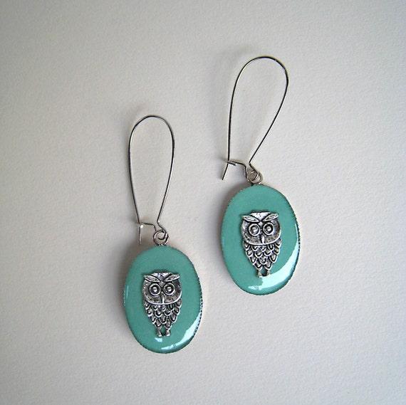 Owl earrings, mint green earrings, light green resin earrings, minimalist jewelry, nature animal jewelry, boho chic jewelry, graduation gift